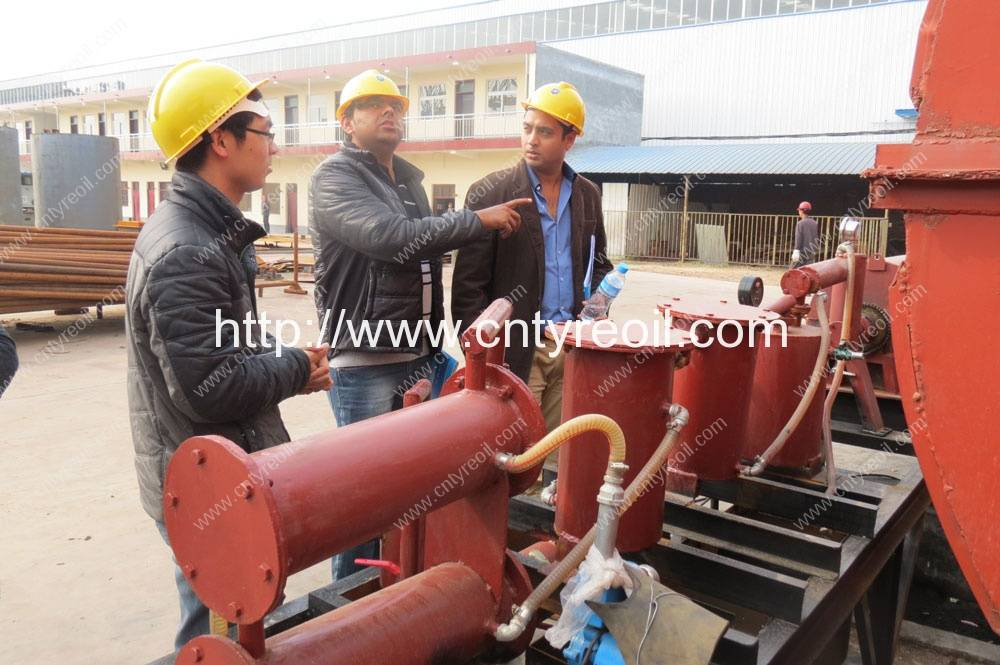 India-Customer-visit-waste-tyre-pyrolysis-recycling-to-oil-machine
