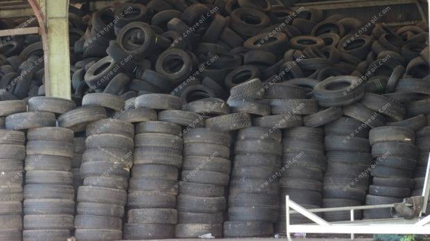 Thousands of old tyres dumped in Frankton